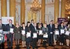 Zdjęcie grupowe osób nagrodzonych