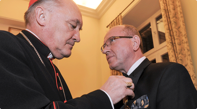 Professor Henryk Skarżyński decorated with the Papal Medal