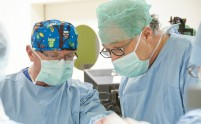 Unikalne operacje wszczepienia implantów pniowych w Kajetanach