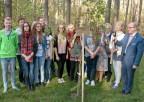 Uczestnicy posadzenia Drzewa Wolności