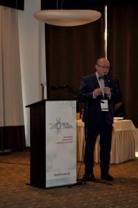 """prof. Henryk Skarżyński podczas konferencji """"MedTrends 2016"""""""