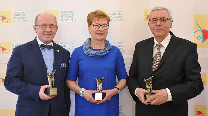 "Prof. Henryk Skarżyński has been honored with a statuette ""Viribus Unitis"""